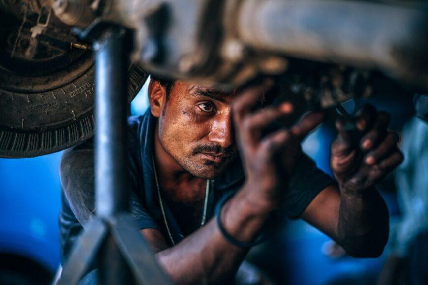Shop Local: Dealership vs. Local Mechanic